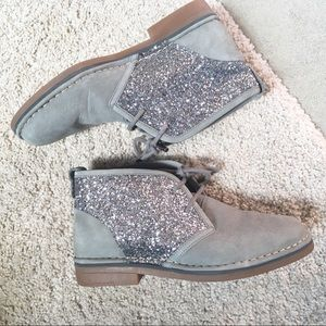 Hush Puppies sparkle gray lace up booties